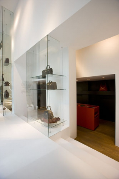 luxury handbag store SEVENS | gent
